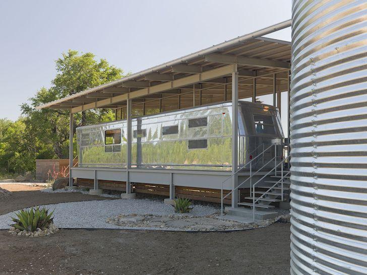 Vintage Spartan Manor Gets A Royal RV Carport Home