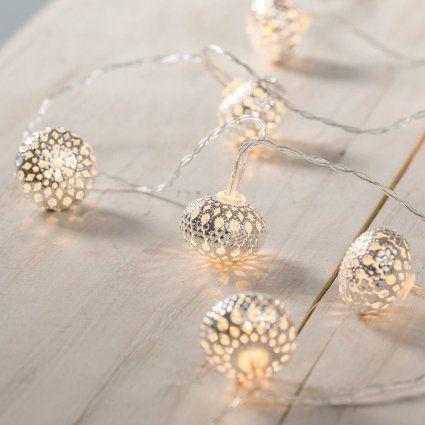 Guirlande Lumineuse  Piles avec 10 Boules Marocaines Argentées