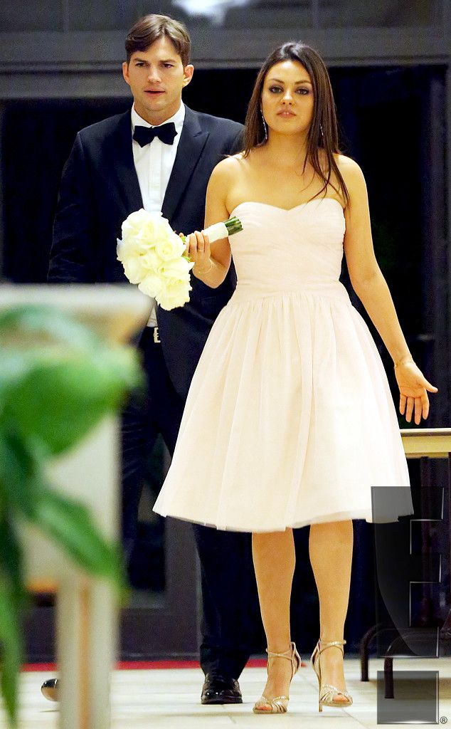 Ashton Kutcher And Mila Kunis Attend Her Brother S Wedding Get The Exclusive Details
