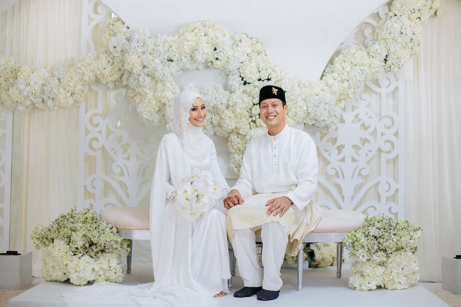 Razif And Sarah S Nikah At Ba Alwie Mosque Nikah Wedding Stage Decorations Wedding Shoot