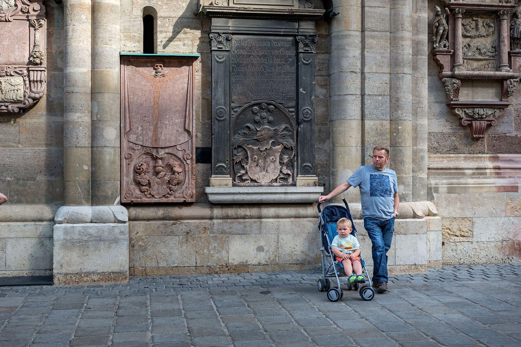 Atardece sobre la fachada de la catedral de Viena
