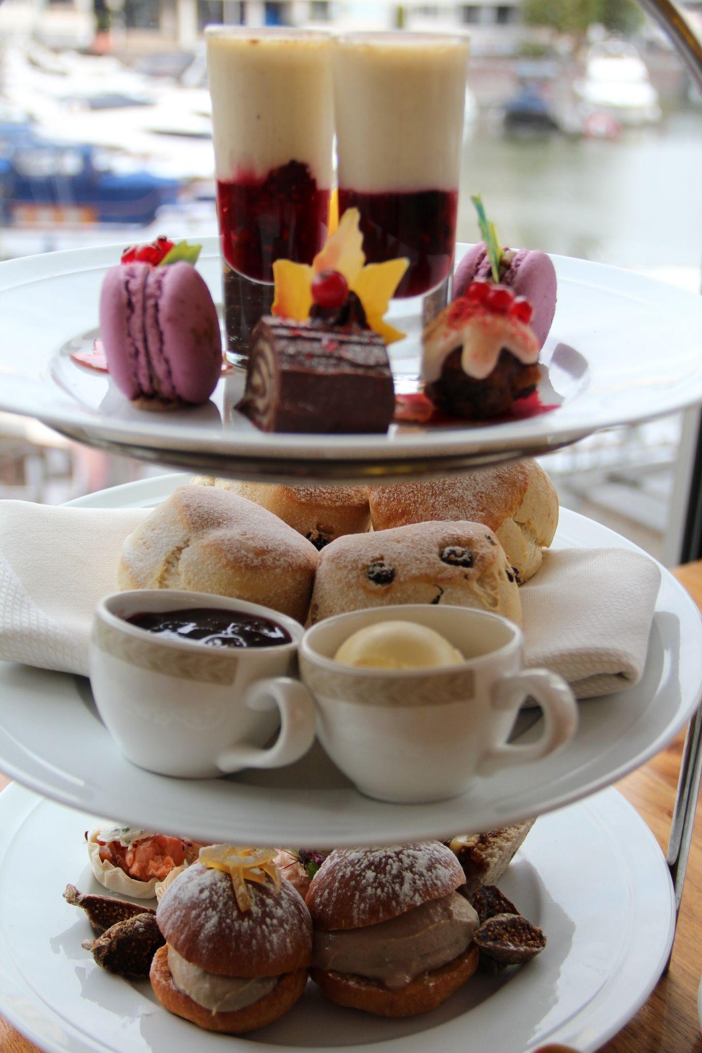 Chelsea Riverside Brasserie Xmas afternoon tea Tea time