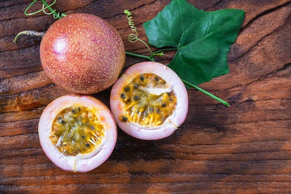 مضادات طبيعية للأكسدة فوائد فاكهة الباشن فروت Passion Fruit Benefits Fruit Benefits Food For Digestion