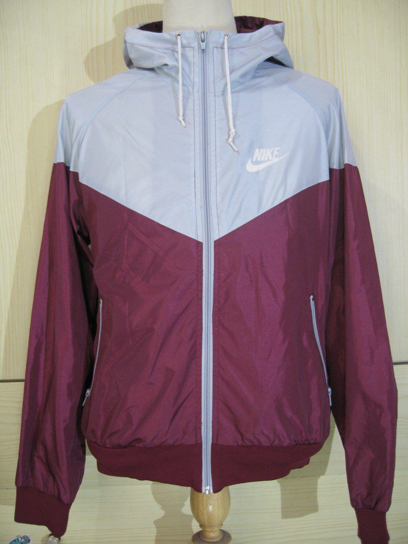 f56453f764 Vintage Nike 1990s Windbreaker Shiny Nylon Oldschool 1980s Tracksuit ...