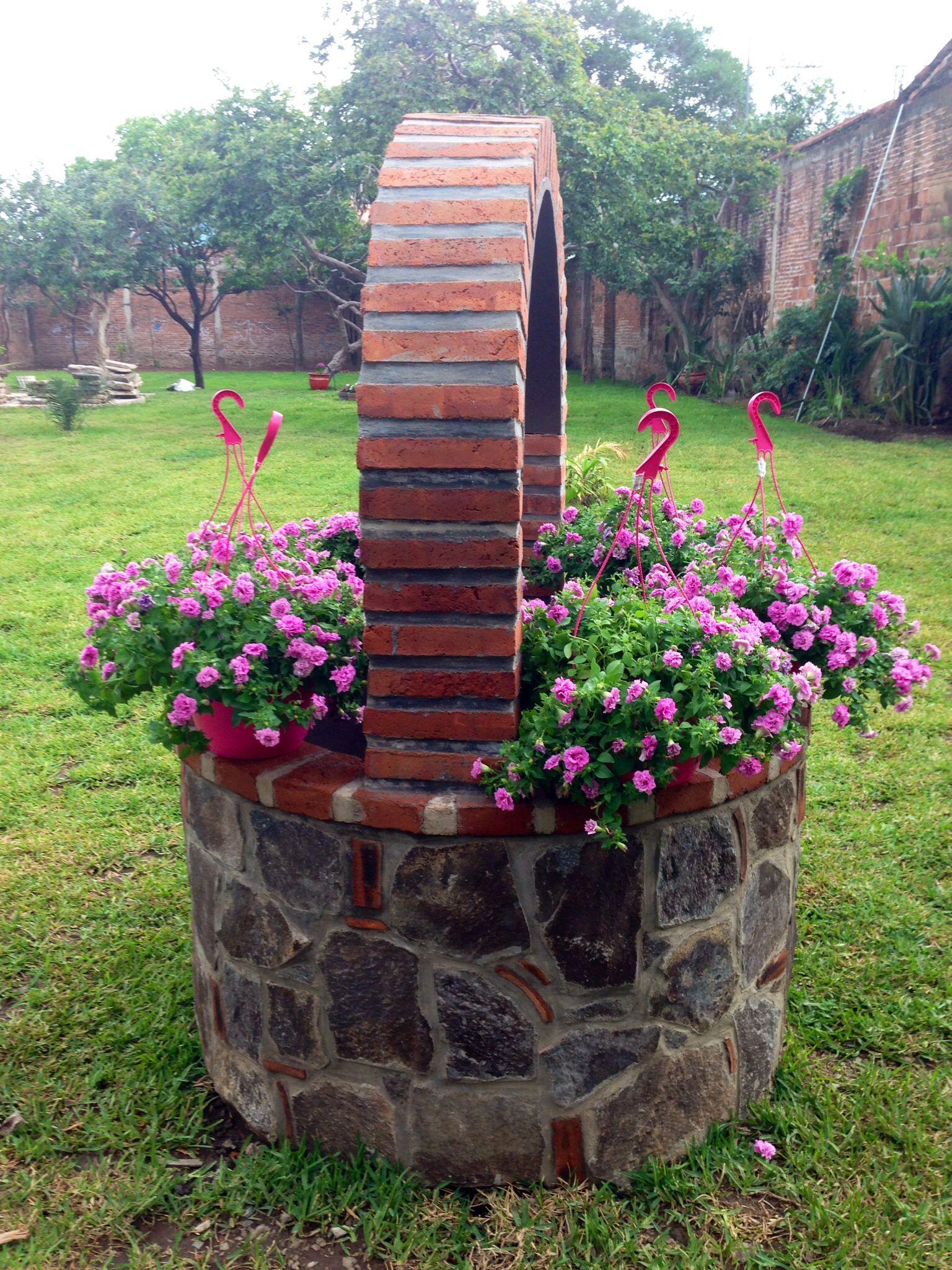 Pin de jesus chomon en pozos decoraciones de jard n for Jardines rusticos campestres