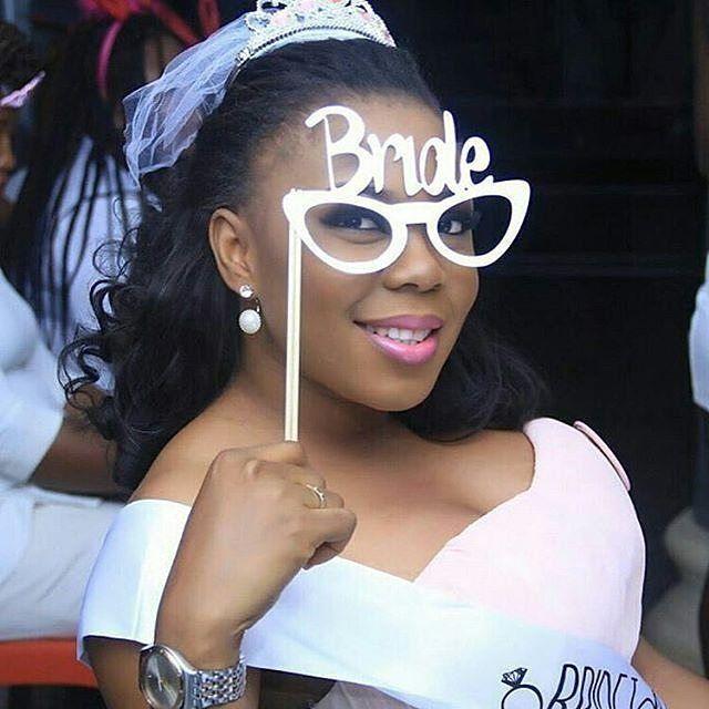 Captured by @craftlifephc #bride #whitewedding #instapost #inspiration