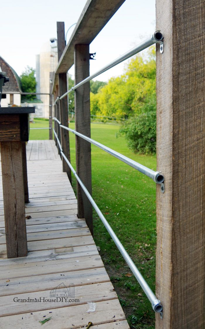 Do It Yourself Home Design: DIY Inexpensive Deck Rails Out Of Steel Conduit, Easy To