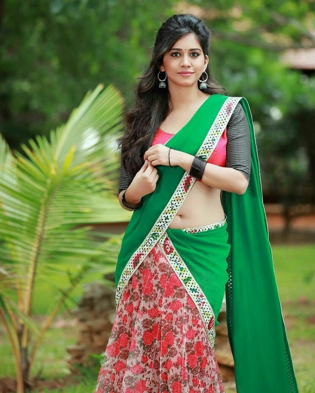 4d0afc383e Hot Indian Women in Saree: Exclusive and Ultimate Photo Collection ~ Facts  N' Frames-Movies | Music | Health | Tech | Travel | Books | Education ...