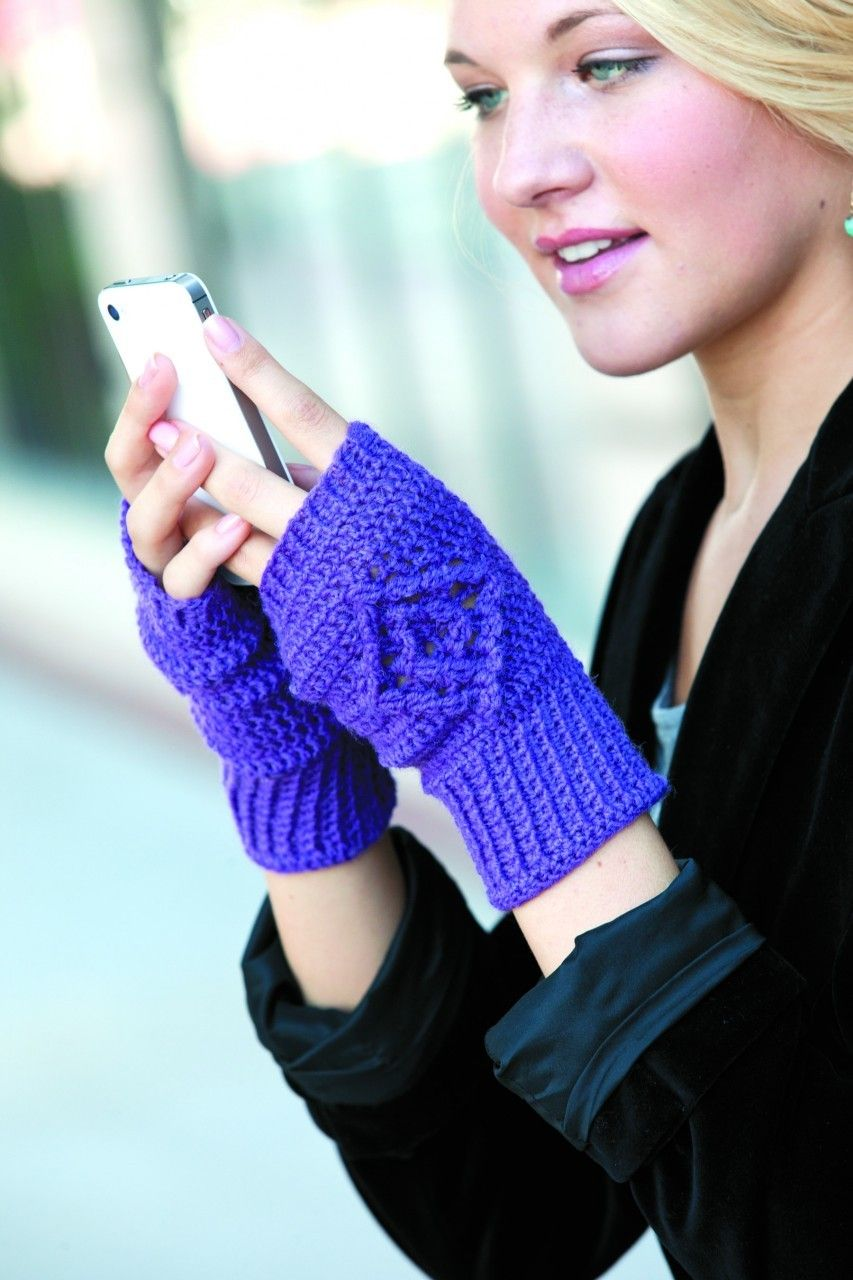 Diamond back texting mitts with an online tutorial.