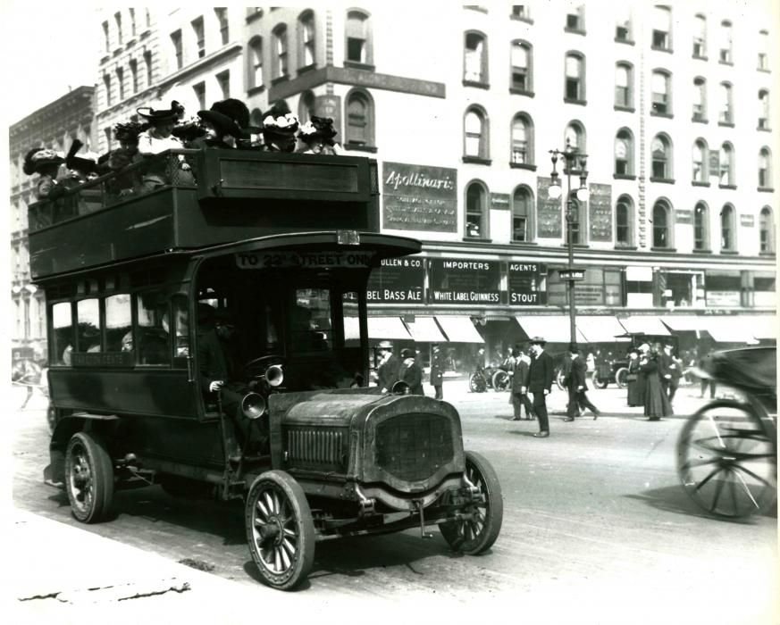 Omnibus on 5th Avenue and 42nd Street 1910