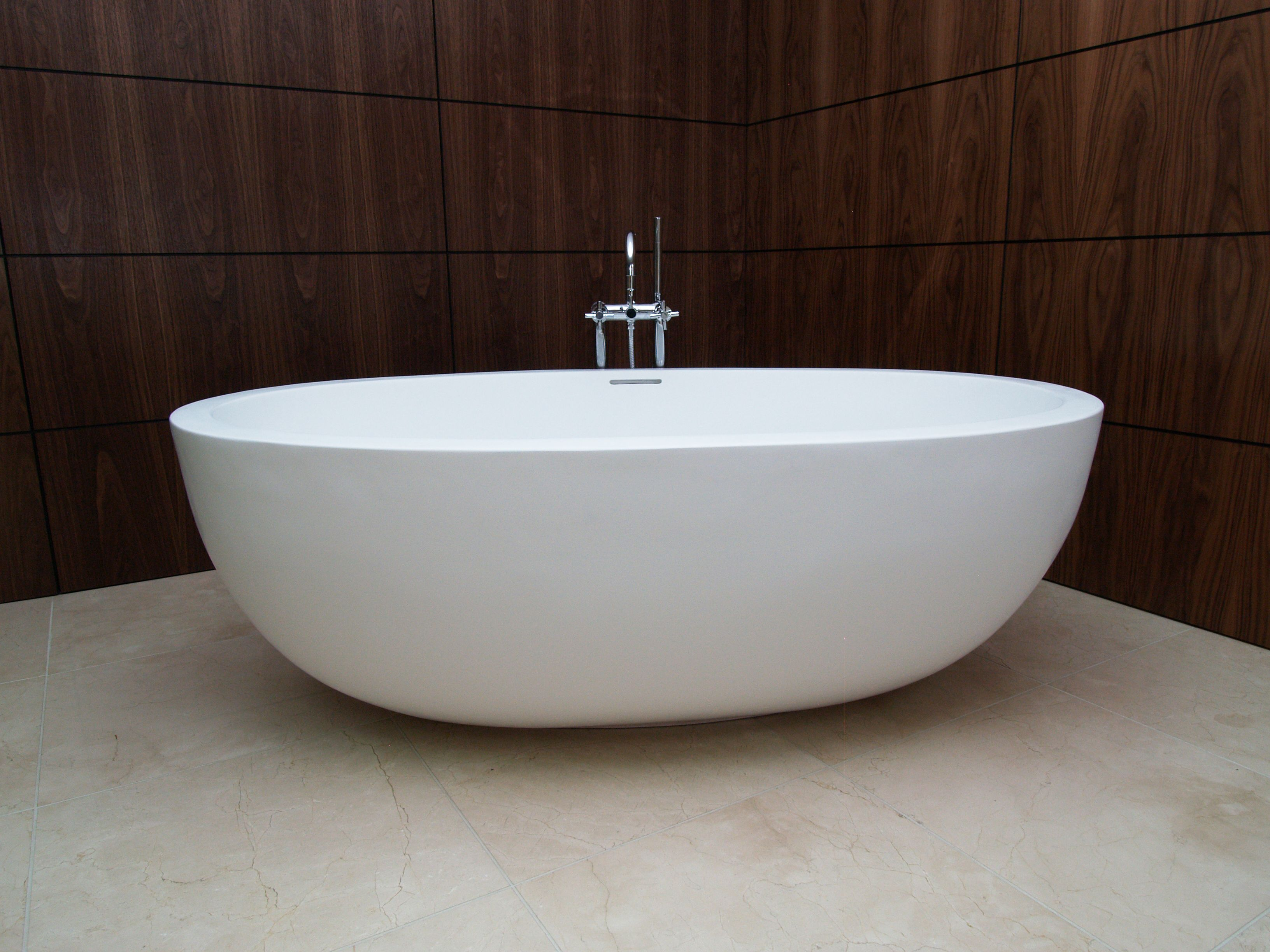 bathtub lifestyle bathtub is our second largest and most popular bathtub - Bathtub