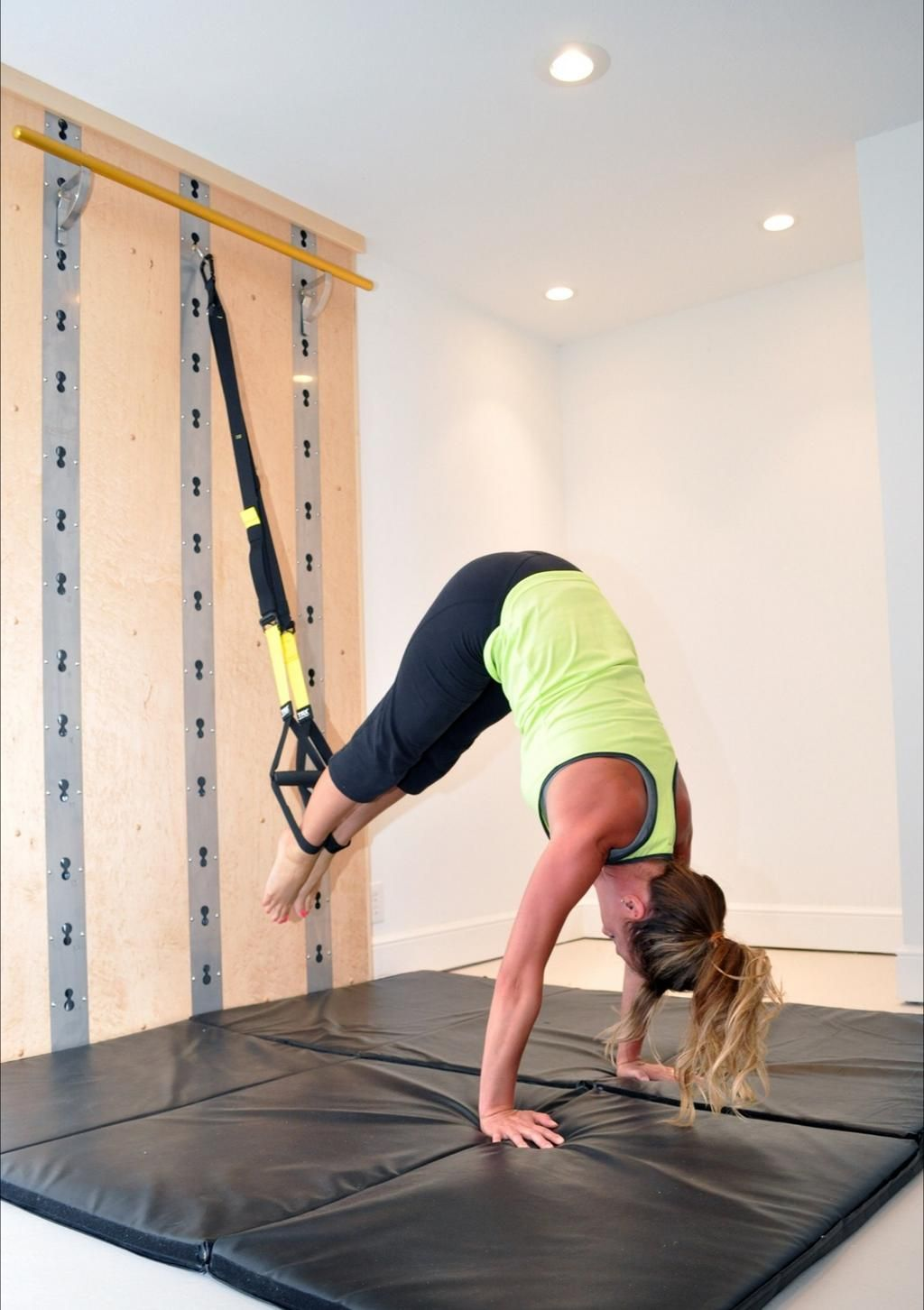 TRX + Isawall = AMAZING home workout! #isawall www.isawall.com