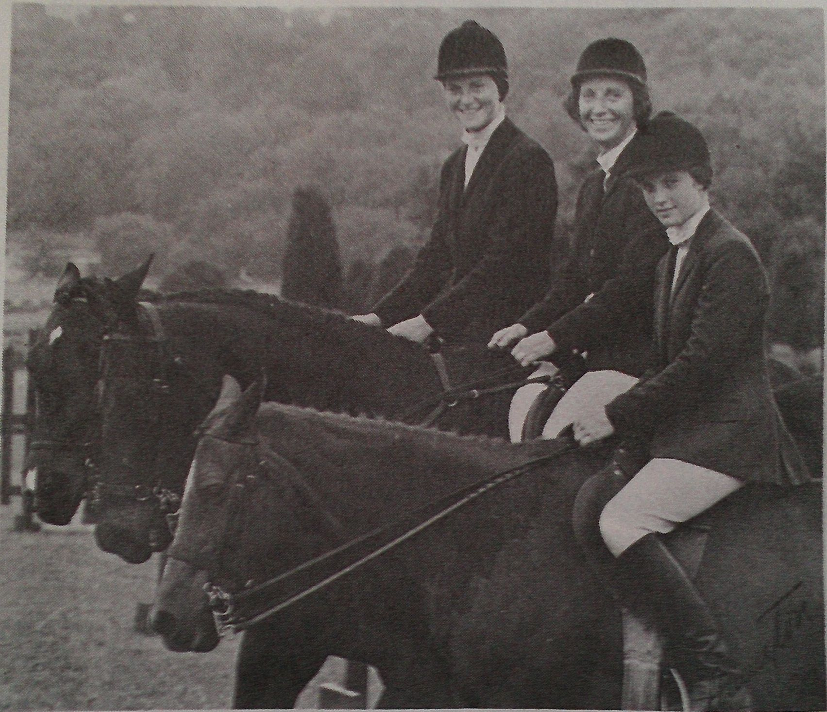 Mrs. T. G. Pennington and daughters Inez & Jennifer, winners of the Family Class at the Middle Tenessee Pony Club in 1973. Photo by Pennington.