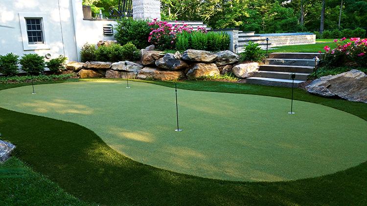 Backyard Putting Greens | Backyard putting green, Green ...