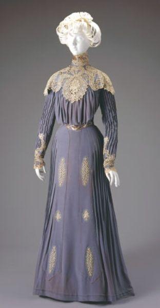 DAY DRESS: BODICE AND SKIRT  Date:1900-1901  Cincinnati Art Museum  Accession No:1971.97a-b