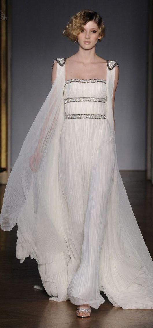 Dilek Hanif  - White roman style  dress