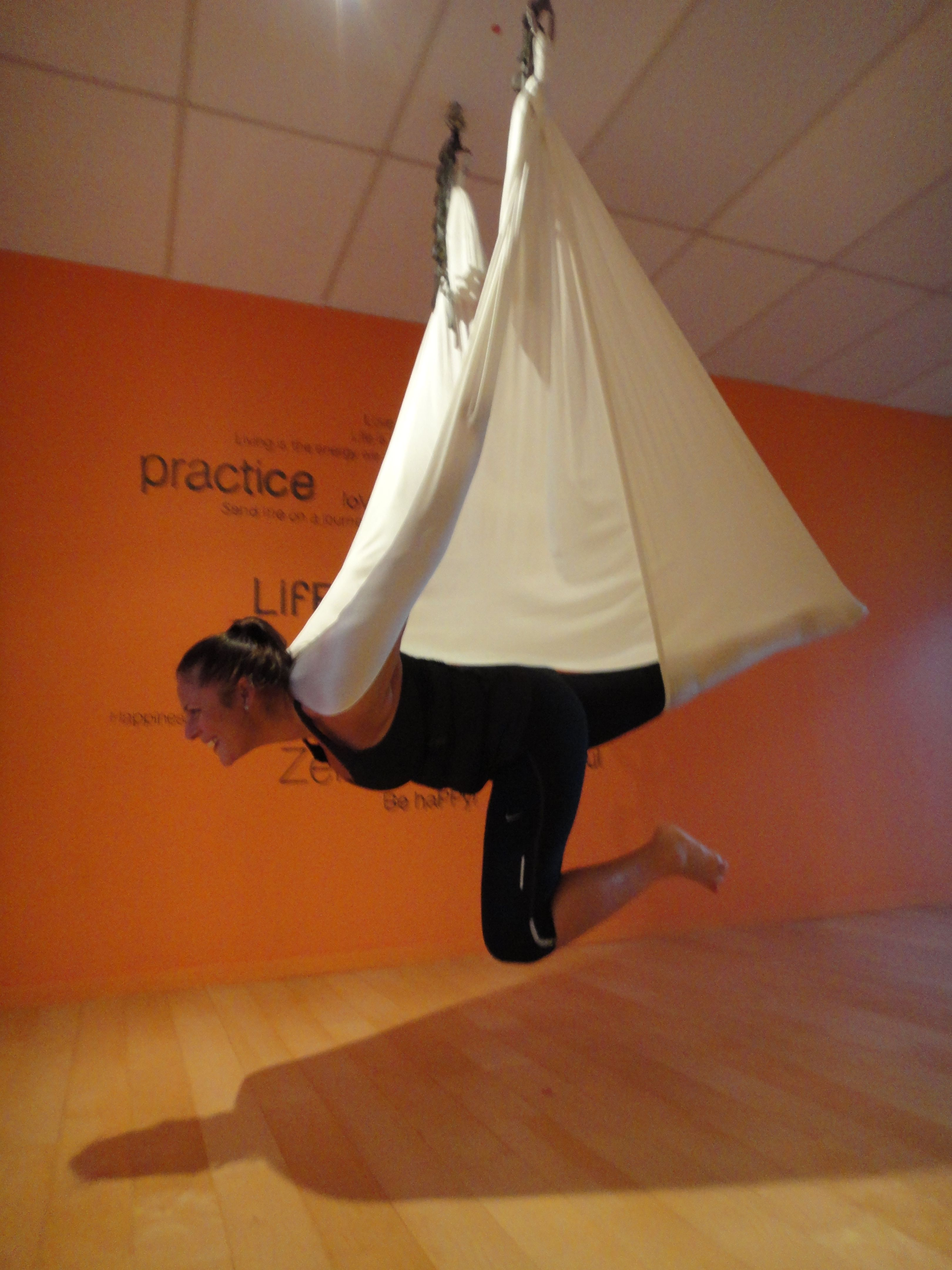 Arial Yoga They Have This At Wilson S Gym Now I Feel Like I M