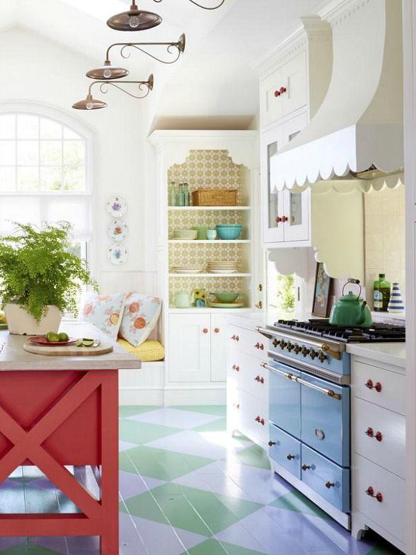 A Designer S Sweet Colorful Cottage In Santa Monica Hooked On Houses Kitchen Design Home Kitchens Cottage Kitchen