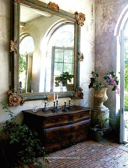 Roses and Rust: The Aesthete's Alphabet - E is for Ethereal