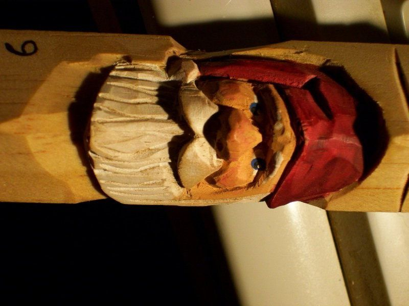 Beginners Carving Corner and Beyond: Beginners tutorials and links....awesome blog, too! #woodcarvingtoo