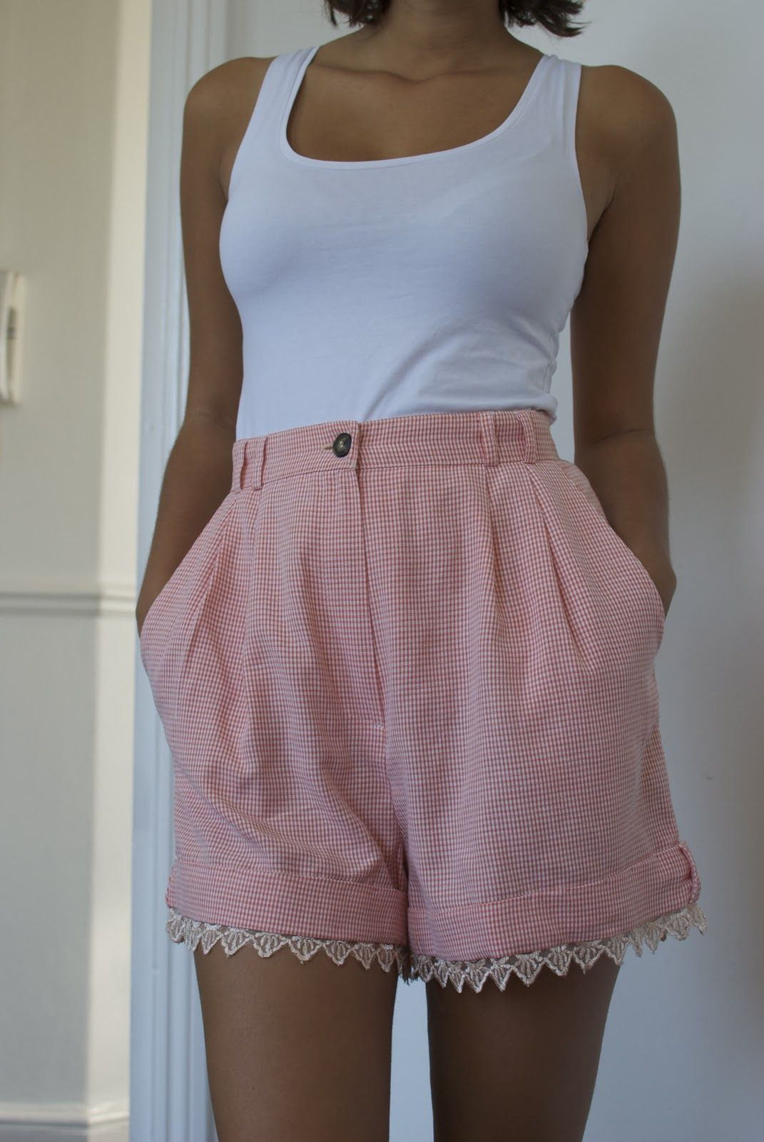 A pair and a spare diy fashion diy lace trimmed shorts do it a pair and a spare diy fashion diy lace trimmed shorts solutioingenieria Image collections