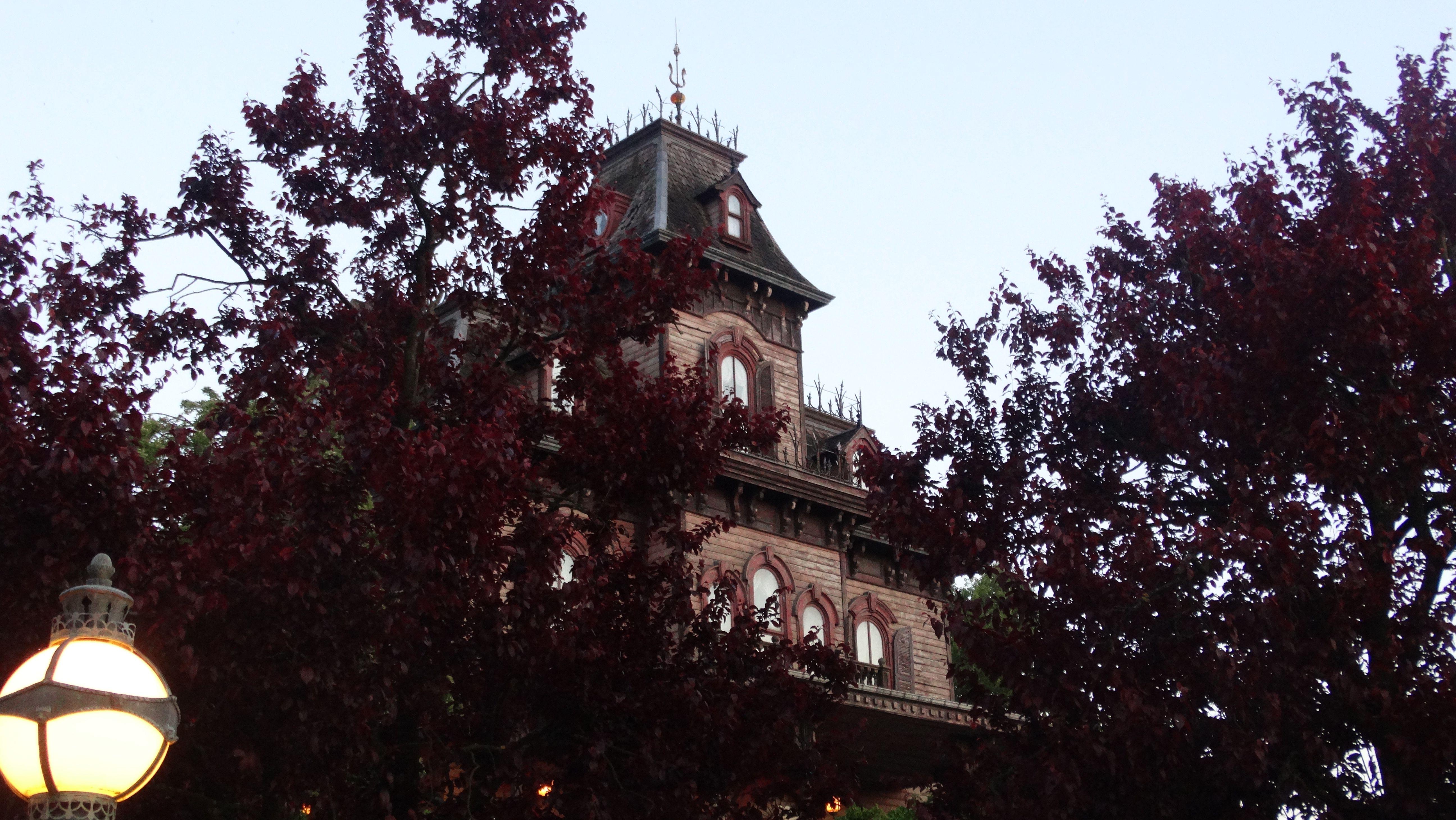 Grand Staircase - Phantom Manor - Disneyland Paris - Phantom