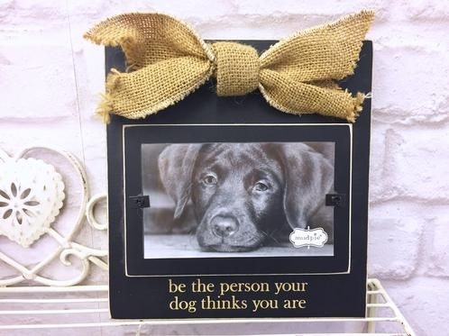 Hessian Bow Dog Wooden Square Photo Frame £3.99 A beautiful wooden square photo frame with hessian bow Approx. 19cm x 18cm