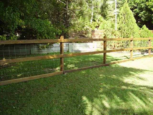 Pin By Alicia Aguayo On Ours Backyard Fences Fence Landscaping