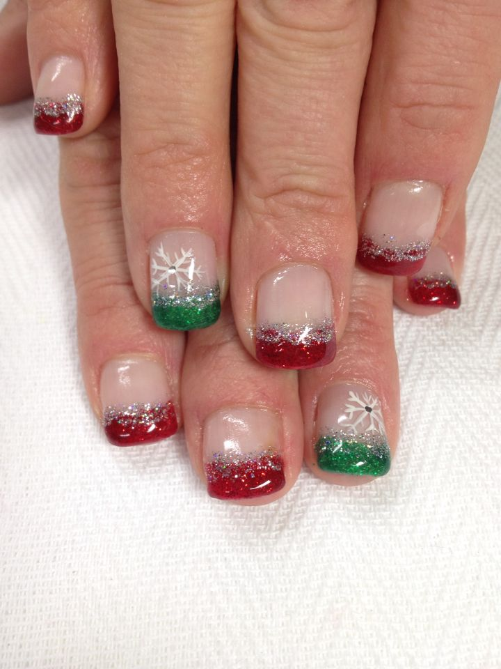 Red Green Silver Christmas Snowflake Gel Nails All Done With Non Toxic And Odorless G Christmas Gel Nails Christmas Nail Designs Gel Christmas Nail Designs