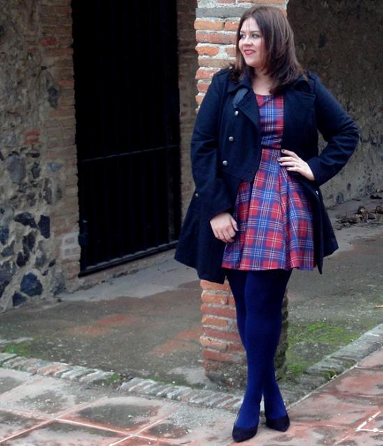 @PinFantasy - Tartan Dress  - ✯ http://www.pinterest.com/PinFantasy/moda-~-plus-size-fashion-tallas-grandes/