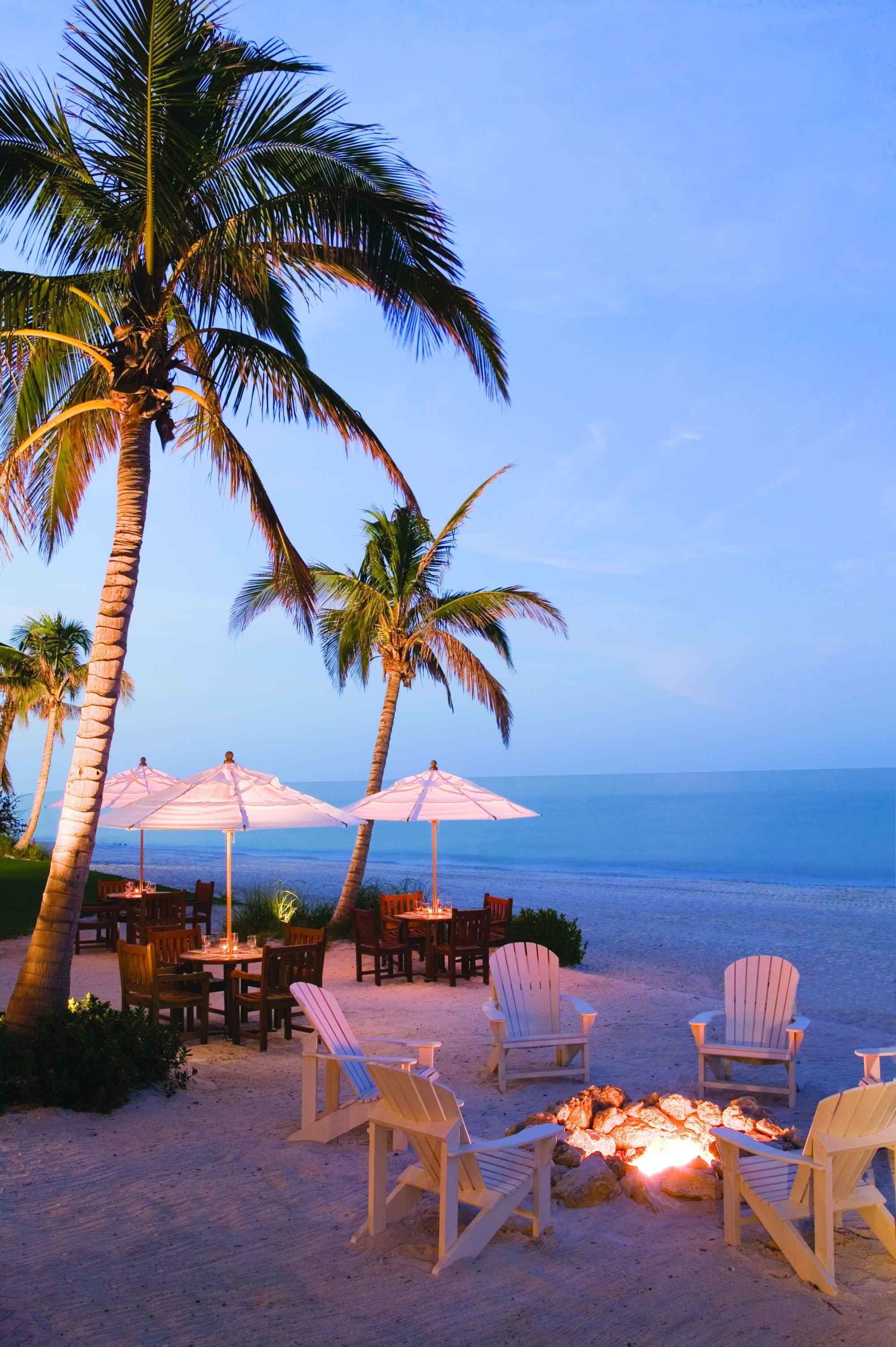 10 Most Romantic Honeymoon Resorts In The U S Best Places To Honeymoon Beach Honeymoon Destinations Best Honeymoon Destinations