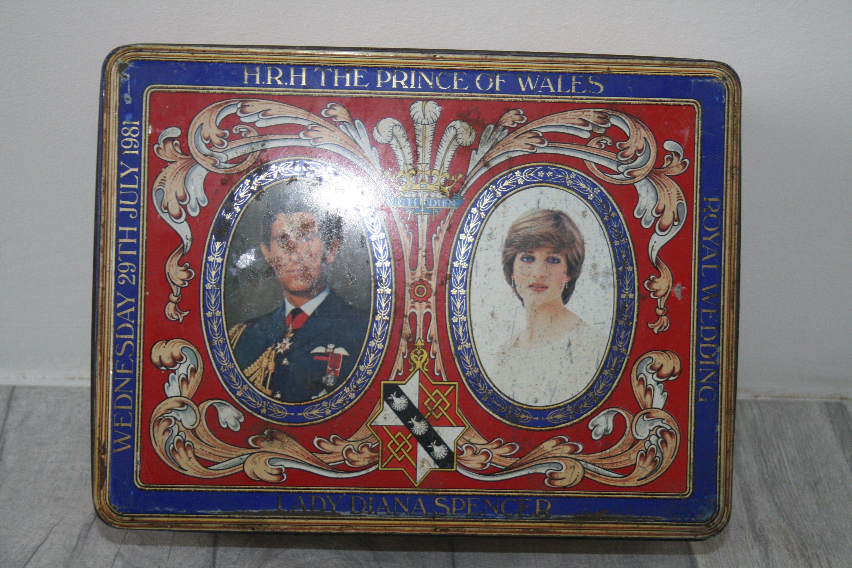 Commemorative Royal Wedding Biscuit Tin Royal Memorabilia Prince