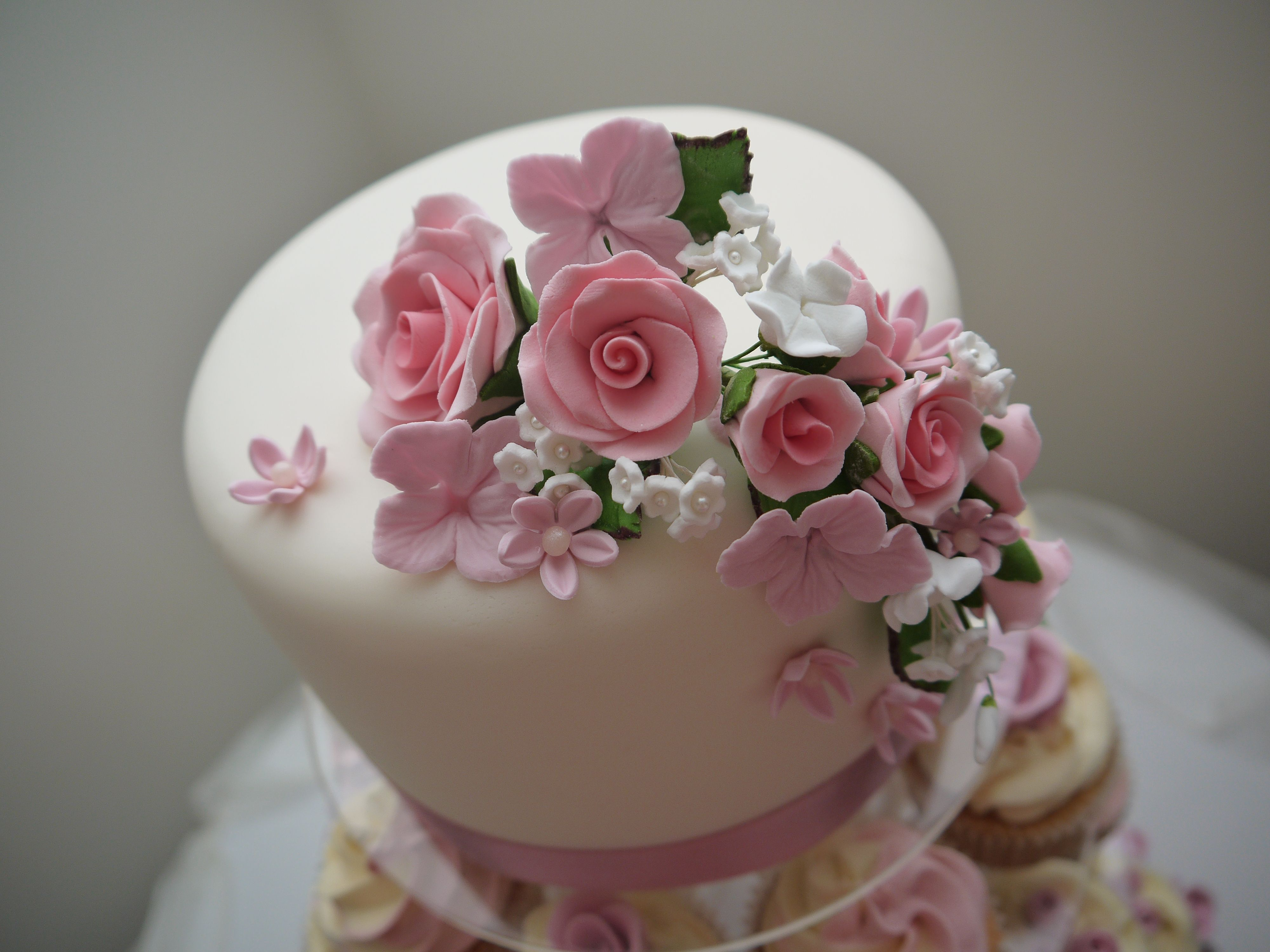 Floral Top Cake by Love Cupcake & Cheri Bakewells Essex   www.love-cupcake.co.uk