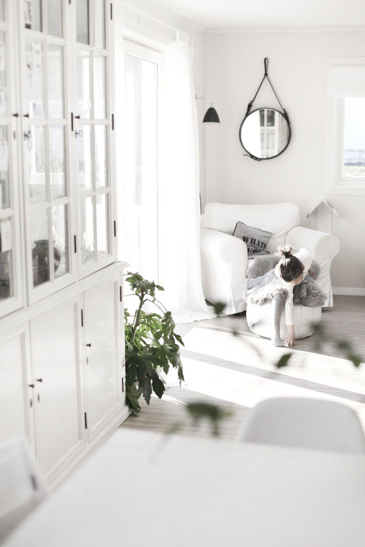 Love the Adnet mirror and white carpet | Living room | Pinterest ...
