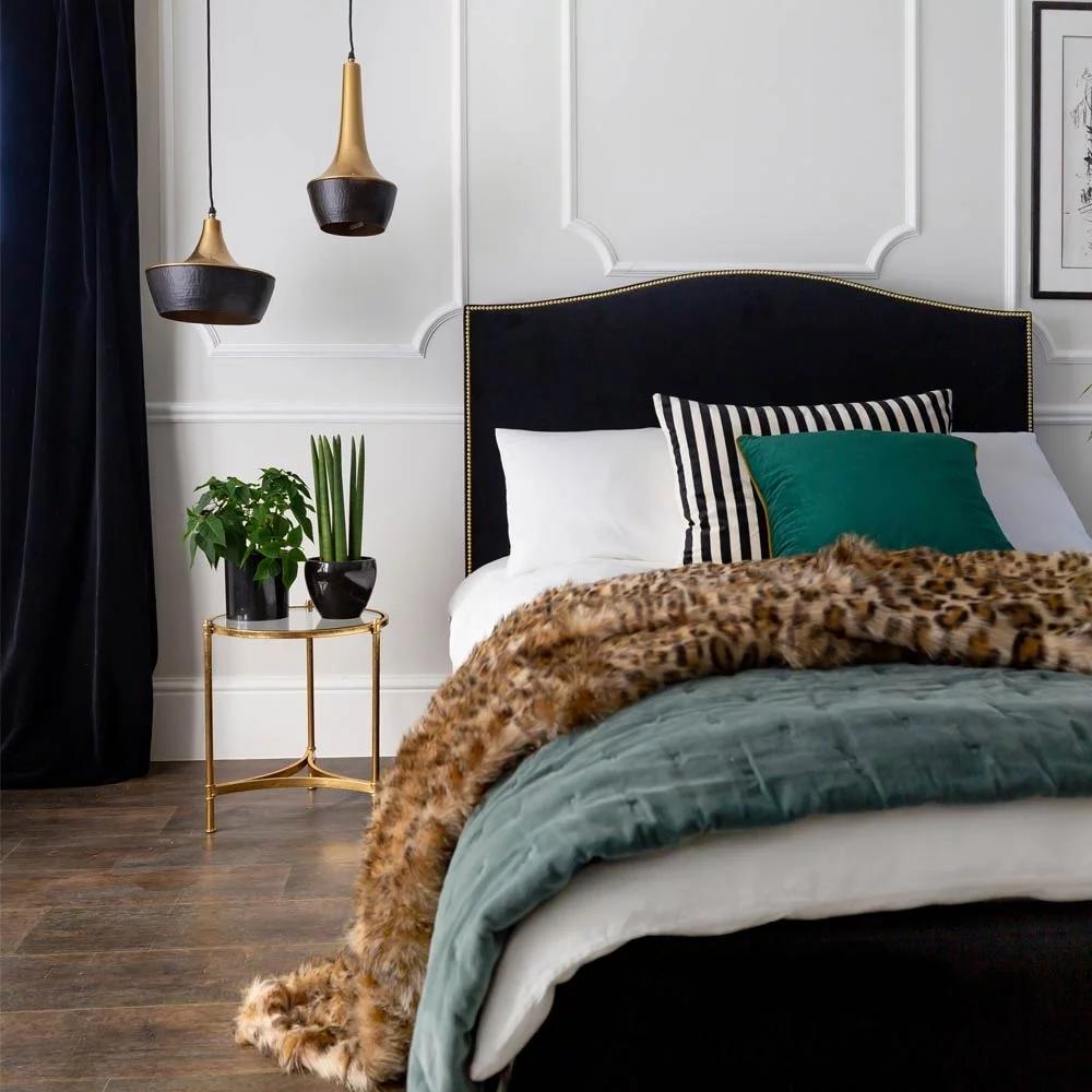 Best Soho Black Velvet Bed In 2020 Black Velvet Bed Velvet 640 x 480