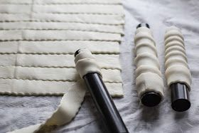 bake your slovak roots / slovenské korene: Kremrole - Cream Horns / Kremrole (Šamrole) - Plnené Trubičky #creamhorns bake your slovak roots / slovenské korene: Kremrole - Cream Horns / Kremrole (Šamrole) - Plnené Trubičky #creamhorns bake your slovak roots / slovenské korene: Kremrole - Cream Horns / Kremrole (Šamrole) - Plnené Trubičky #creamhorns bake your slovak roots / slovenské korene: Kremrole - Cream Horns / Kremrole (Šamrole) - Plnené Trubičky #creamhorns