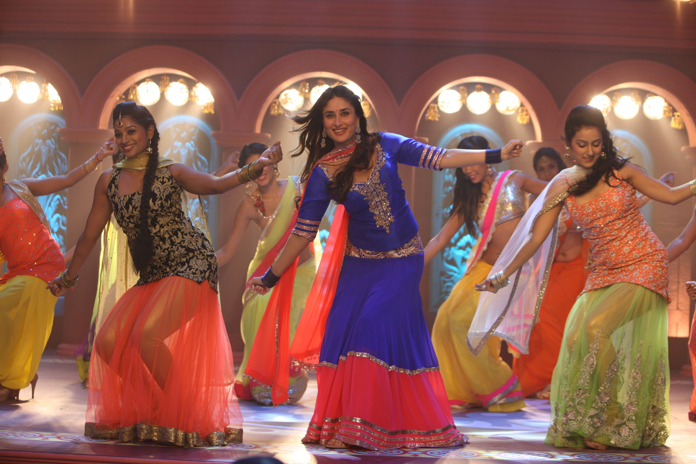 A still from 'Tooh' | Bollywood dance, Asian wedding dress ...