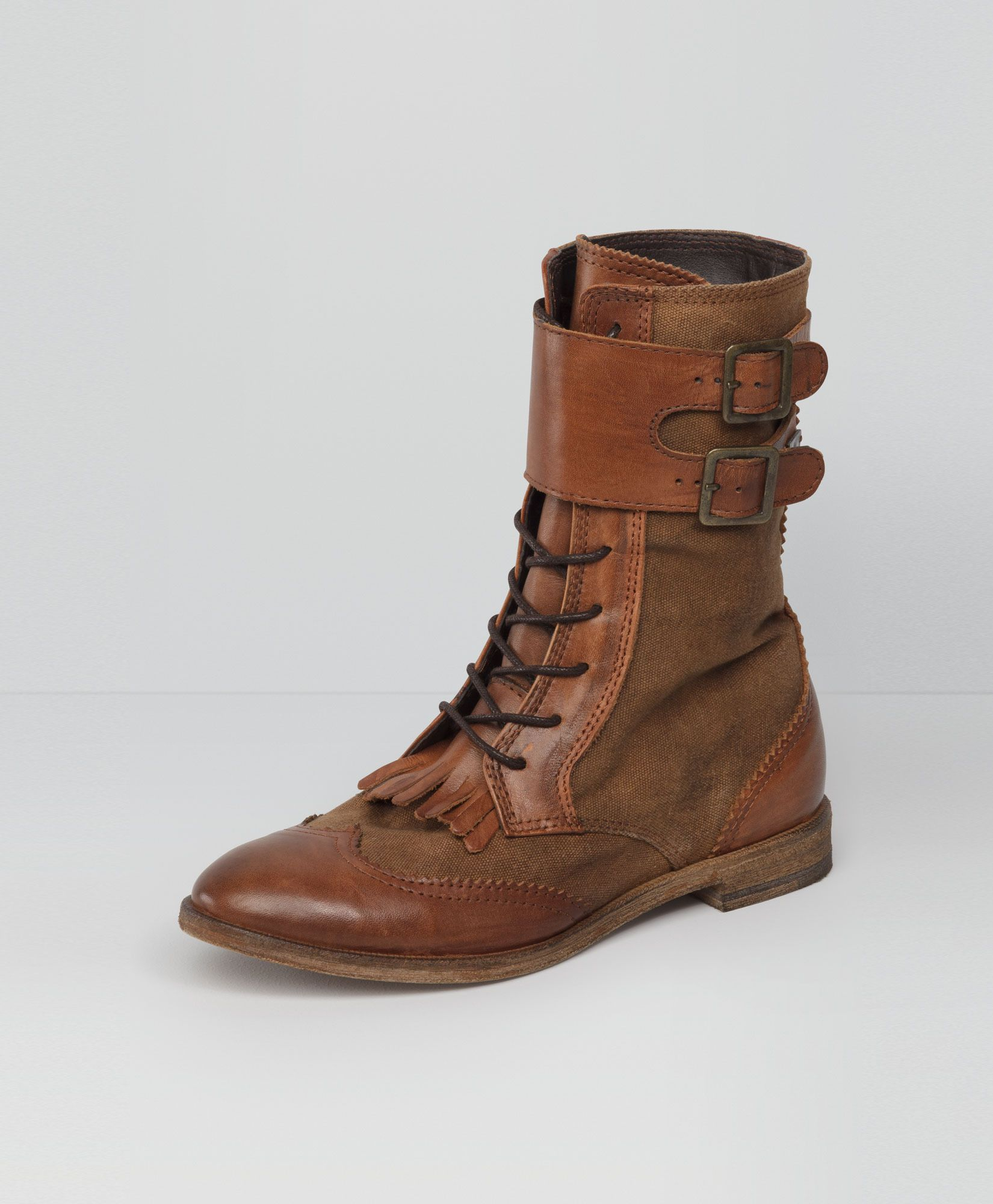 Brogue Buckle Boots   Levi s   My Style   Pinterest   Le pied, Je ... 875f58b33a6d