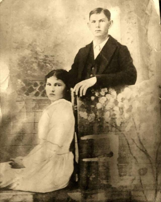 Edna Jane Large and Walter Isaac Stuck on their wedding day in 1897.