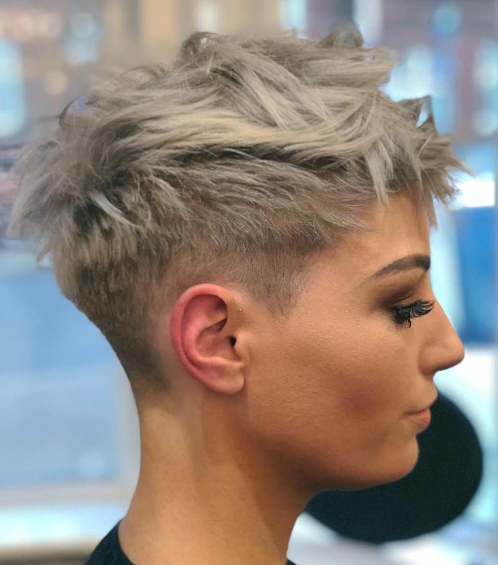 Messy Ash Blonde Pixie Undercut Short Hair Styles Pixie Short Pixie Haircuts Thick Hair Styles