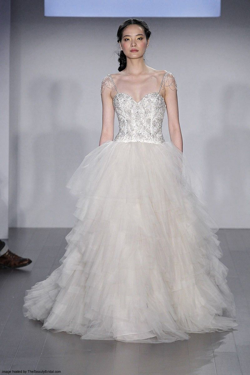 Lazaro Fall 2017 Bridal Collection Wedding Dress Hairstyles Beauty