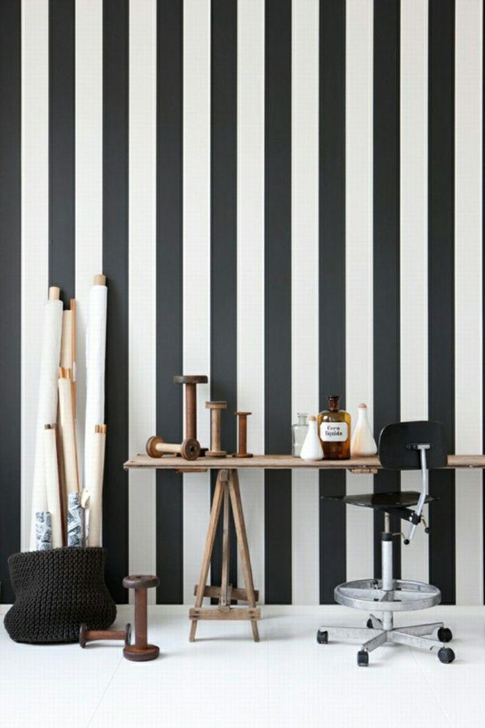 Le papier peint noir et blanc est toujours un singe d\'élégance ...