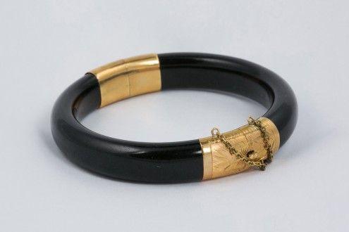 Black Jadeite and 14kt. Yellow Gold Hinged Bracelet