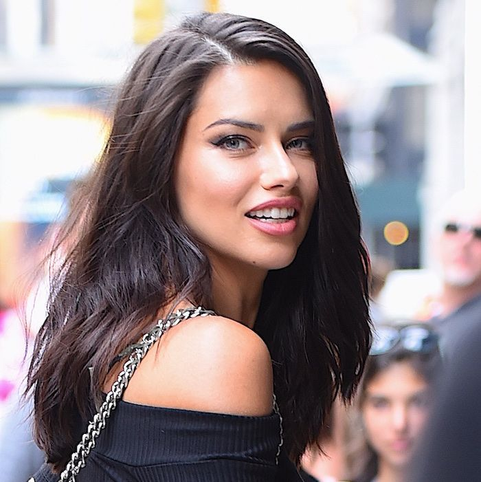 Adriana Lima Reveals the Makeup Products She Uses to Get Ready for a Night Out – Adriana Lima
