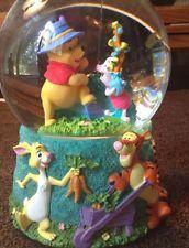 Rare Disney Musical Winnie the Pooh Snow Water Globe Holiday Christmas Gift
