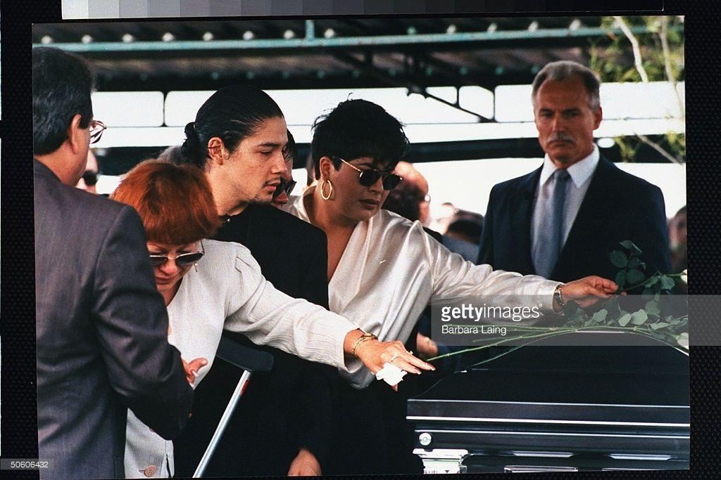 Selena Quintanillas Funeral 1995 Yolanda Saldivar Mother