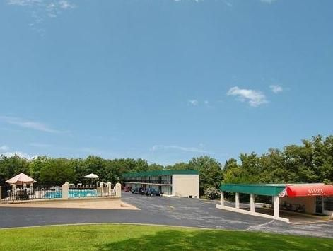 Branson West Mo Econo Lodge Silver Dollar City Area Hotel United States North