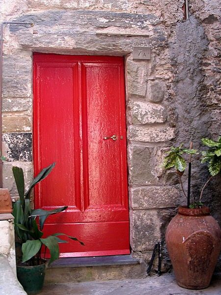 File Italian Red Door Jpg Wikipedia The Free Encyclopedia