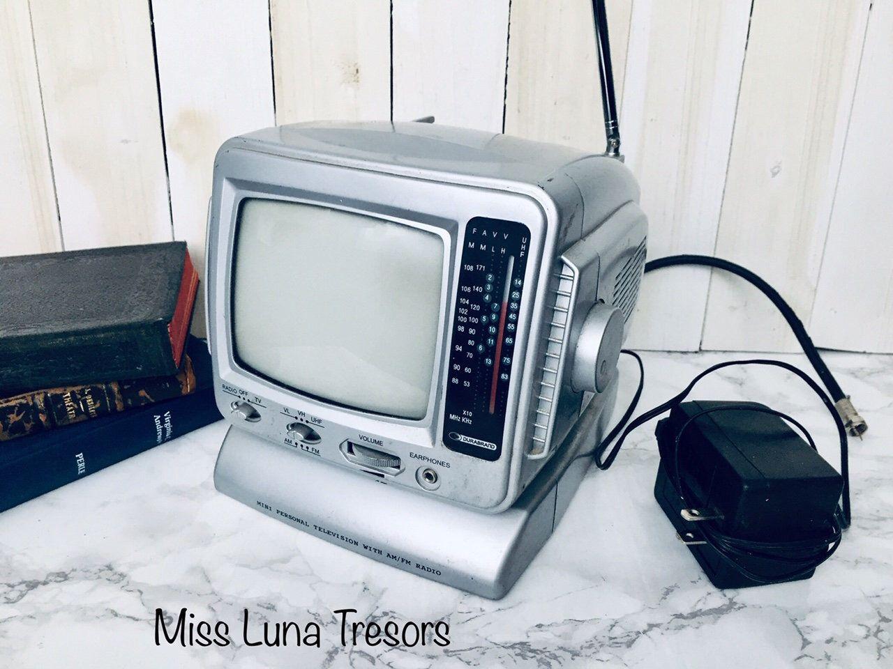 am fm radio portable black and white tv