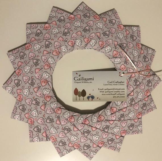 Photo of Origami Cat Love Wreath